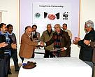 CWLW J&K Government and SG & CEO WWF-India exchanging the MOU